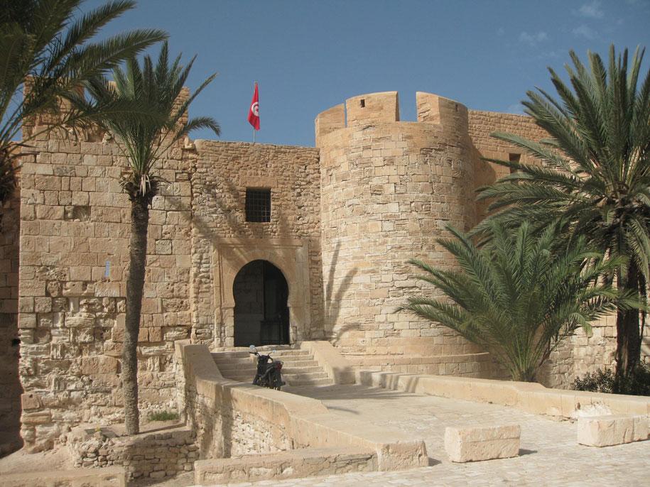 Достопримечательности острова Джерба - Форт Бордж-эль-Кебир
