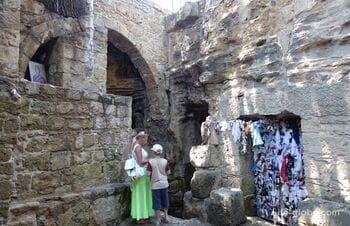 Катакомбы Святой Соломонии, Пафос (Agia Solomoni Catacomb)