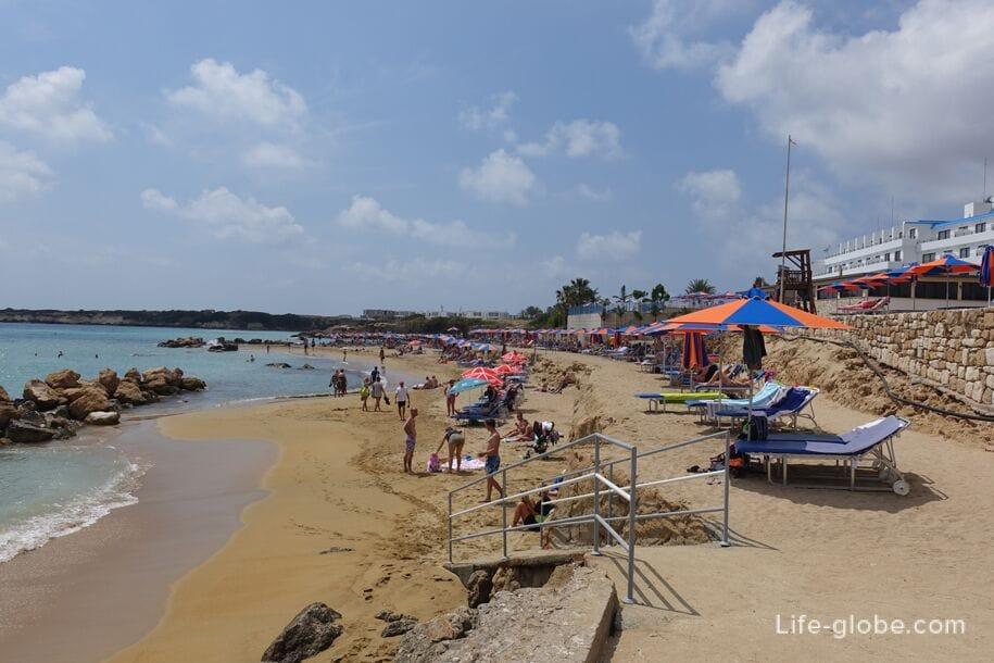 Атена Отдыхает На Пляже