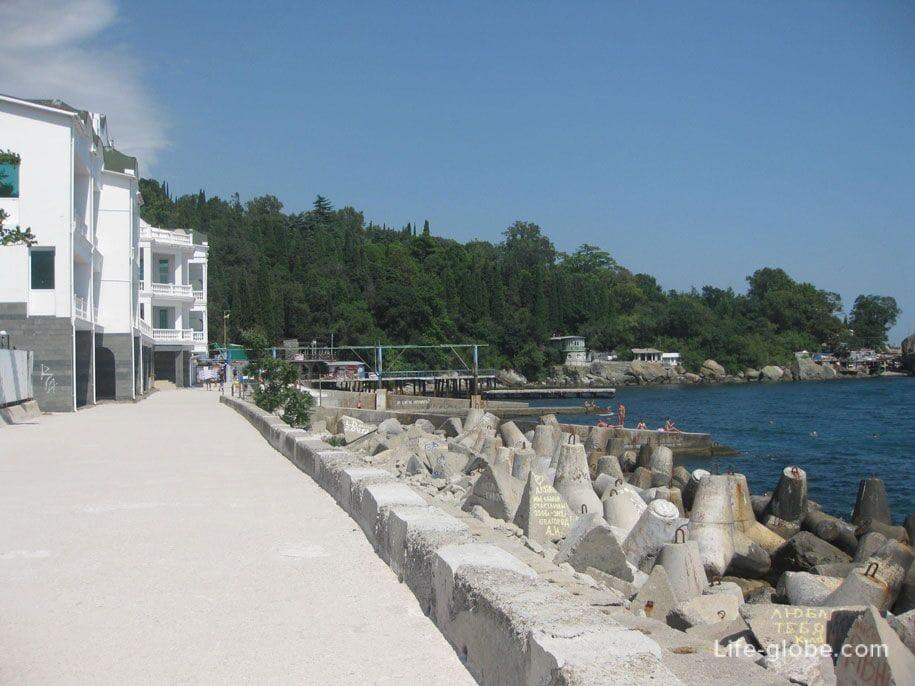 Центральная набережная в Алупке, Крым