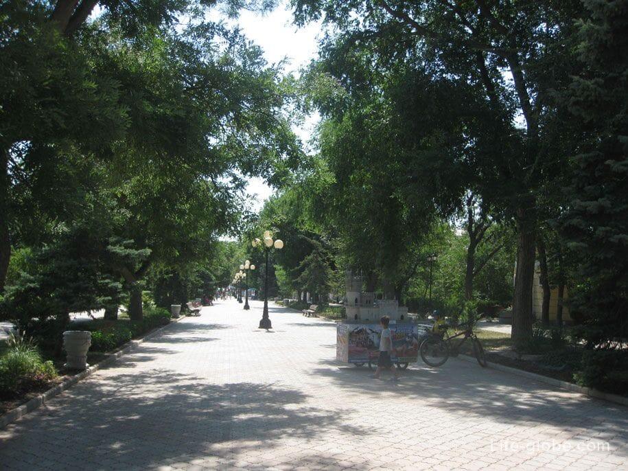 Прогулочная улица - Дувановская, Евпатория