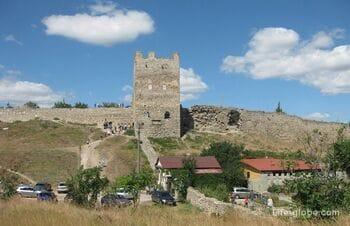 Генуэзская крепость Кафа и старый город в Феодосии, Крым