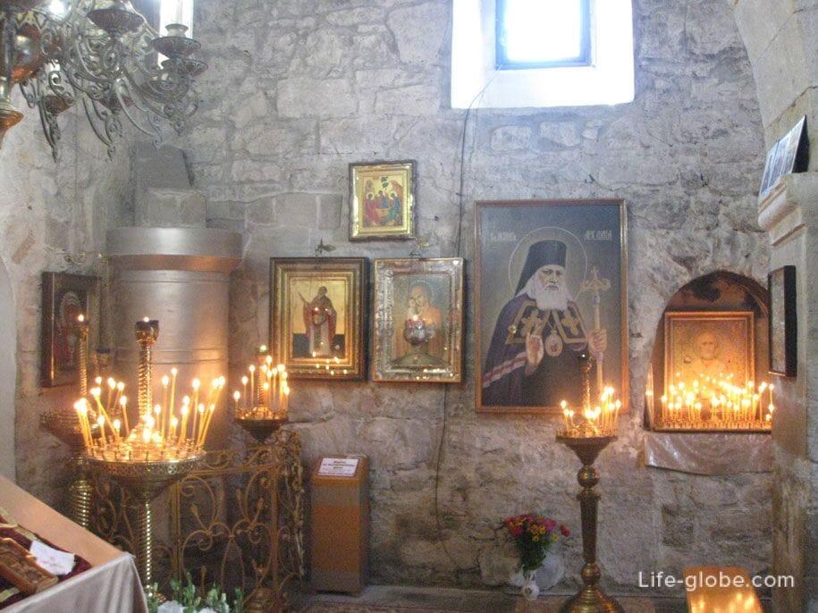 Внутреннее убранство Храма Иверской Иконы Божией Матери