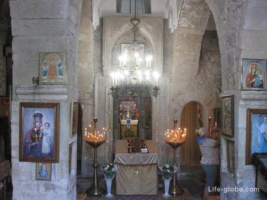 Убранство церкви Иверской Иконы Божией Матери