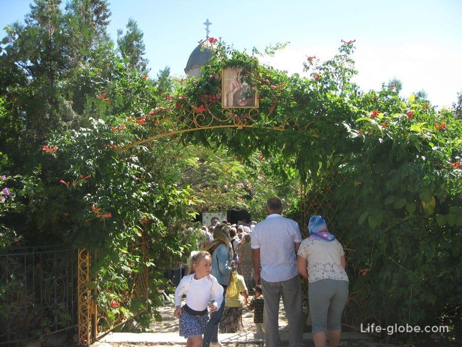 Церковь Иверской Иконы Божией Матери, Старый город в Феодосии