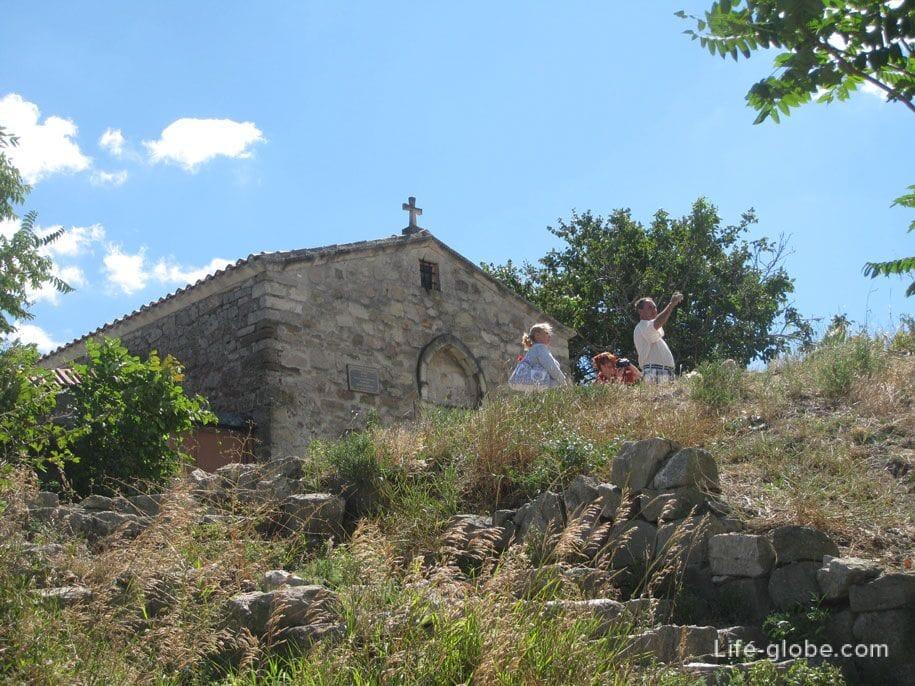 Храм во имя Святого великомученика Георгия Победоносца, Феодосия