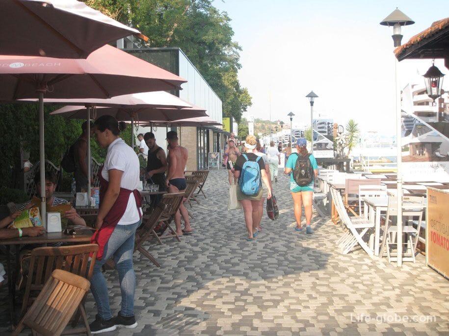 Пляжи Крыма - набережная Массандровского пляжа, Ялта