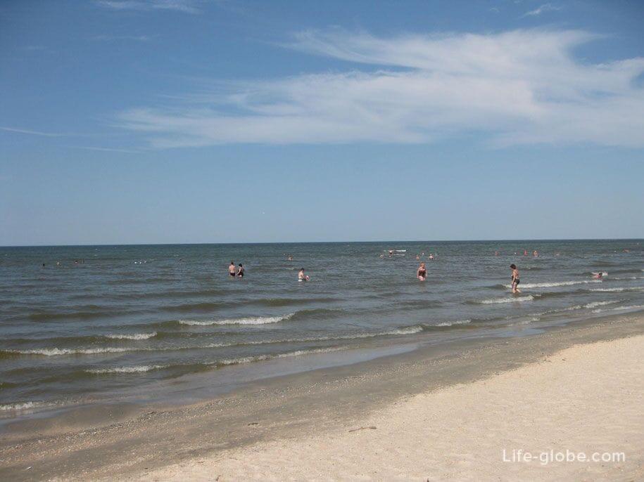 Азовское море, пляж Оазис, Ачуево