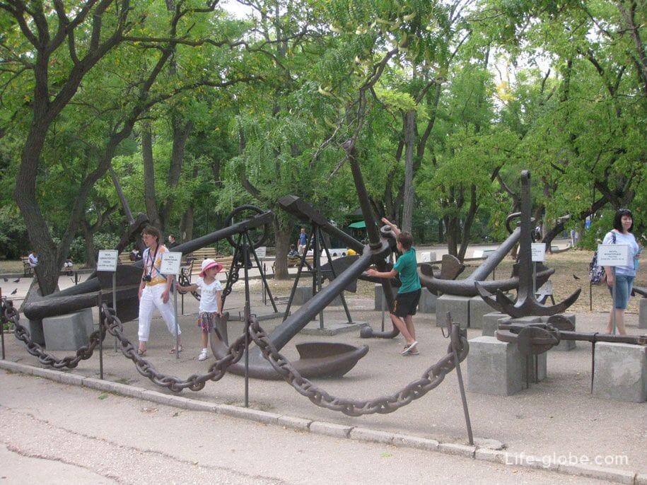 Выставка якорей, Бастионный холм, Севастополь