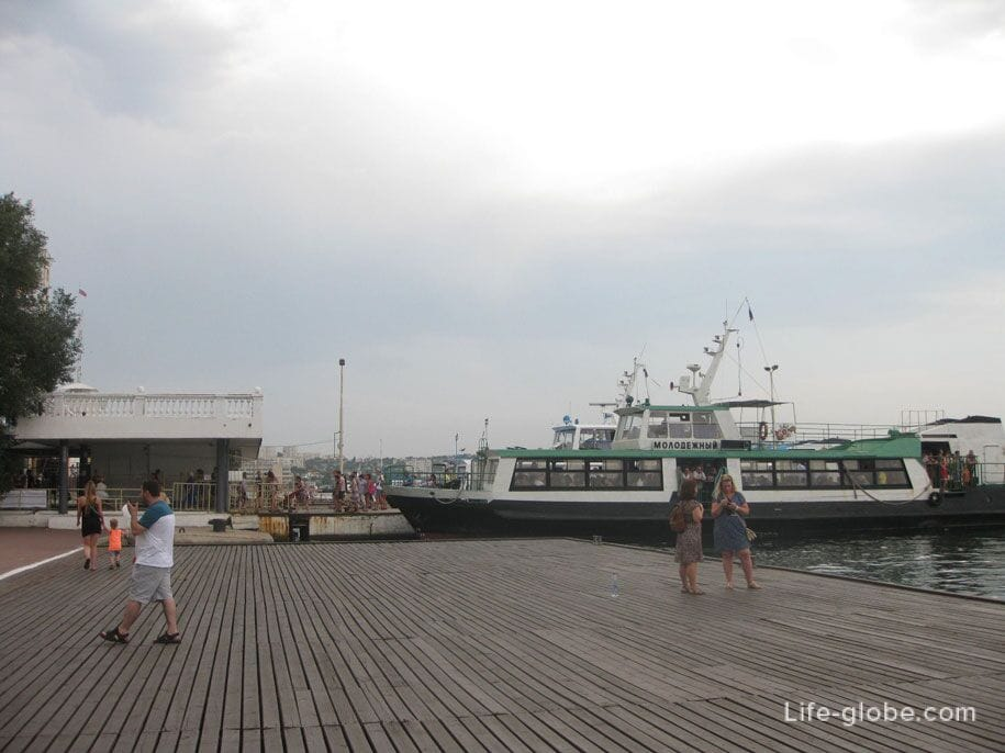 У Графской пристани, Севастополь