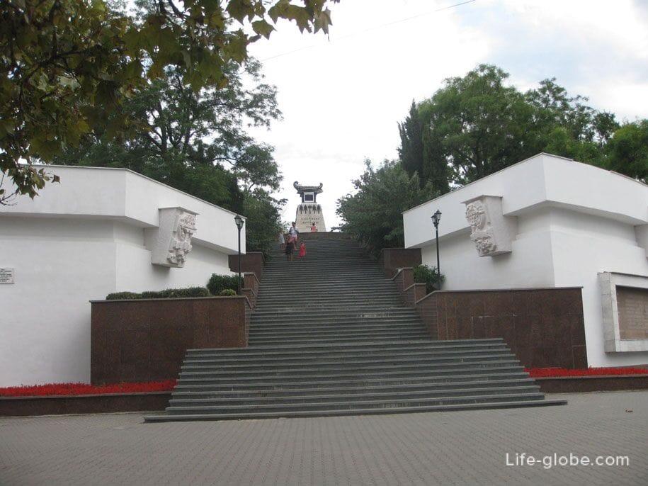 Памятник Казарскому, Севастополь