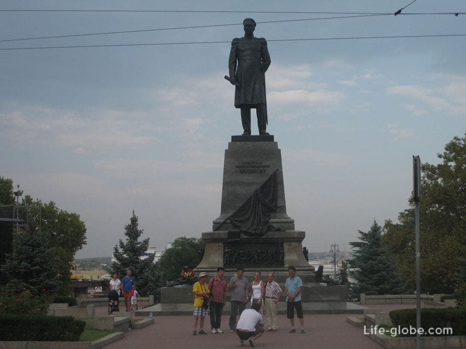 Памятник Нахимову на площади Нахимова, Севастополь