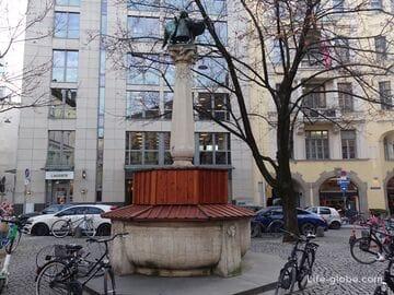Площадь «У ворот» в Мюнхене (Ам Косттор / Am Kosttor)