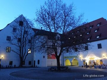 Площадь святого Иакова в Мюнхене (Sankt-Jakobs-Platz)