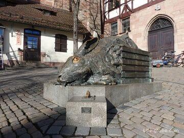 «Заяц Дюрера» в Нюрнберге (Dürer-Hase Skulptur) - скульптура огромного зайца