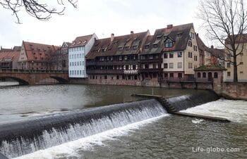 Мосты и набережные в центре Нюрнберга. Река Пегниц