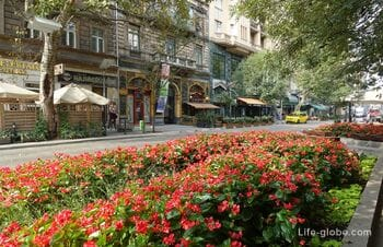 «Пешт Бродвей» - улица Надьмезё в Будапеште (Nagymező utca)