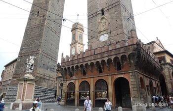 Две башни Болоньи - Азинелли и Гаризенда (Le due Torri - Asinelli, Garisenda)