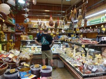 Продуктовый рынок делле Эрбе в Болонье (Mercato delle Erbe)