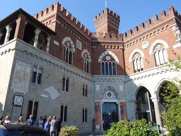 Замок д'Альбертис, Генуя (Castello d'Albertis)