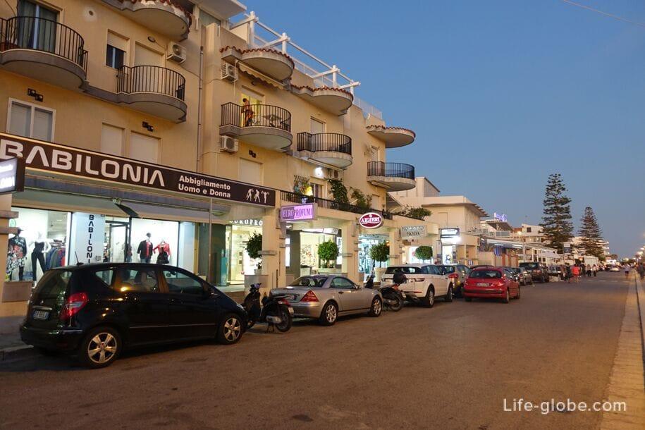 Promenade Marina di Ragusa, Sicily