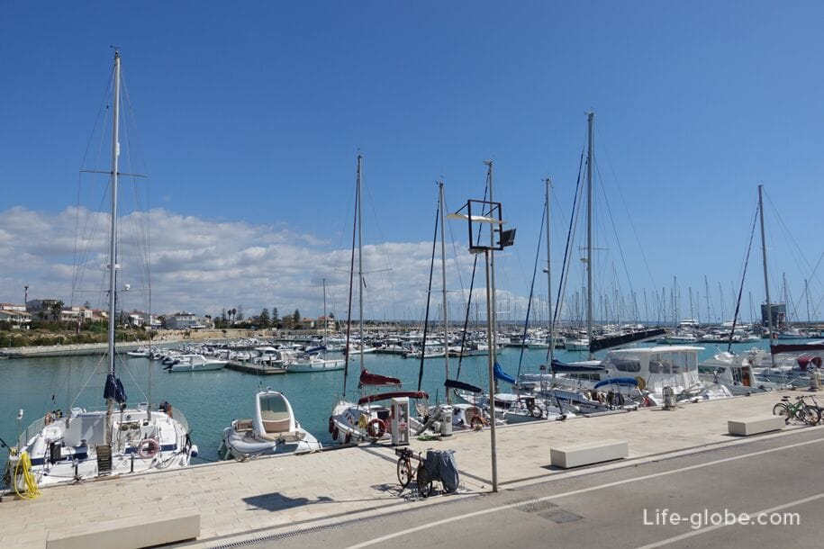 Port of Marina di Ragusa