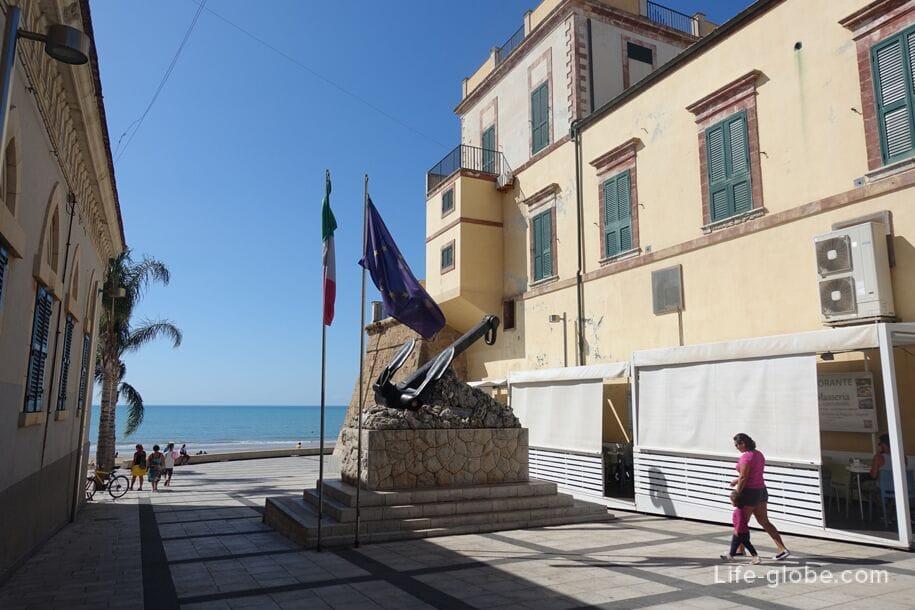 Sculpture, Marina di Ragusa