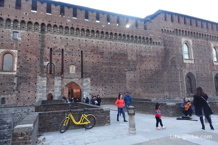 North (rear) entrance to the Sforza castle, Milan