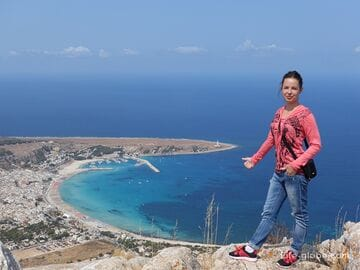 Climbing the Monte Monaco mountain and gorgeous views of San Vito Lo Capo, Sicily