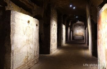 «Underground Naples»: catacombs, cemetery of bones, museums