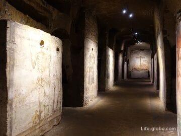 «Подземный Неаполь»: катакомбы, кладбище костей, музеи