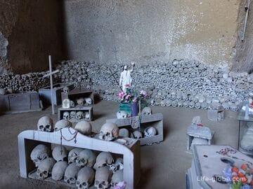 Кладбище Фонтанелле, Неаполь (Cimitero Delle Fontanelle)