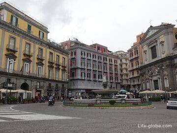 Площадь Триесте и Тренто, Неаполь (Piazza Trieste E Trento)