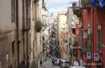 Spaccanapoli street, Naples - which is not on the maps