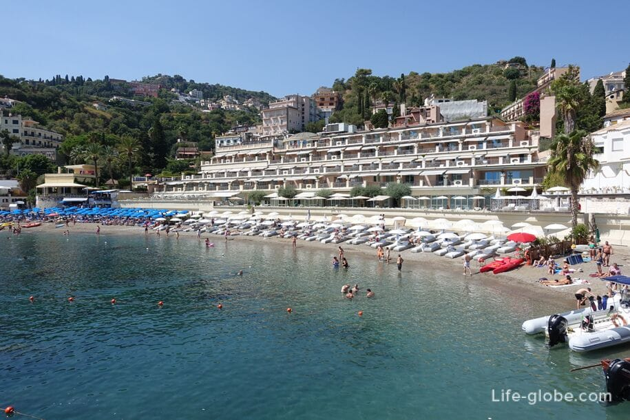 Hotels near Mazzaro Beach, Sicily