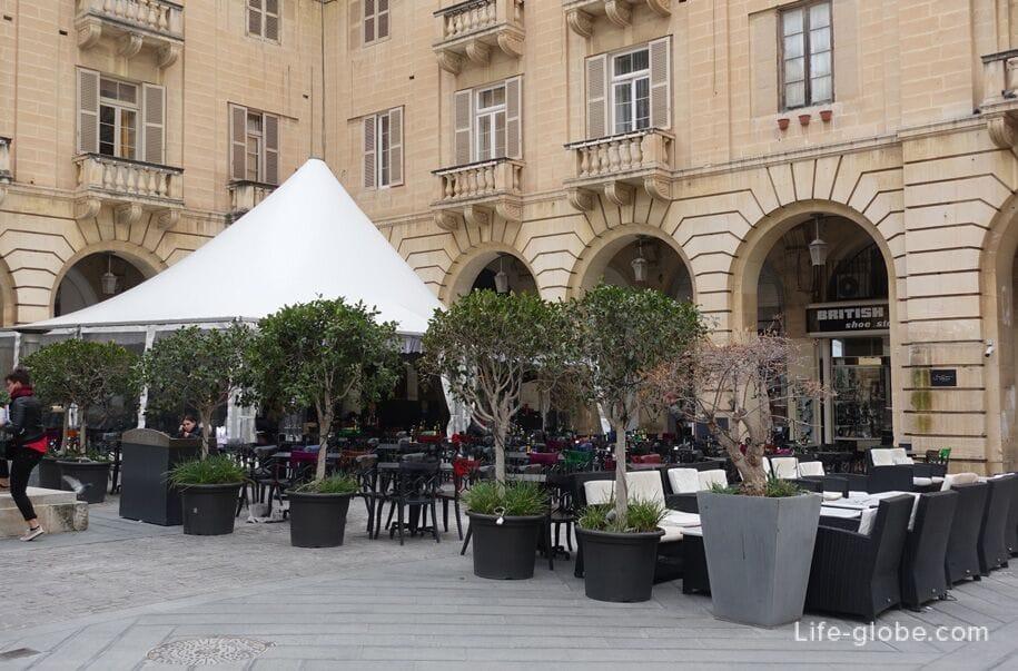 St John S Square Valletta