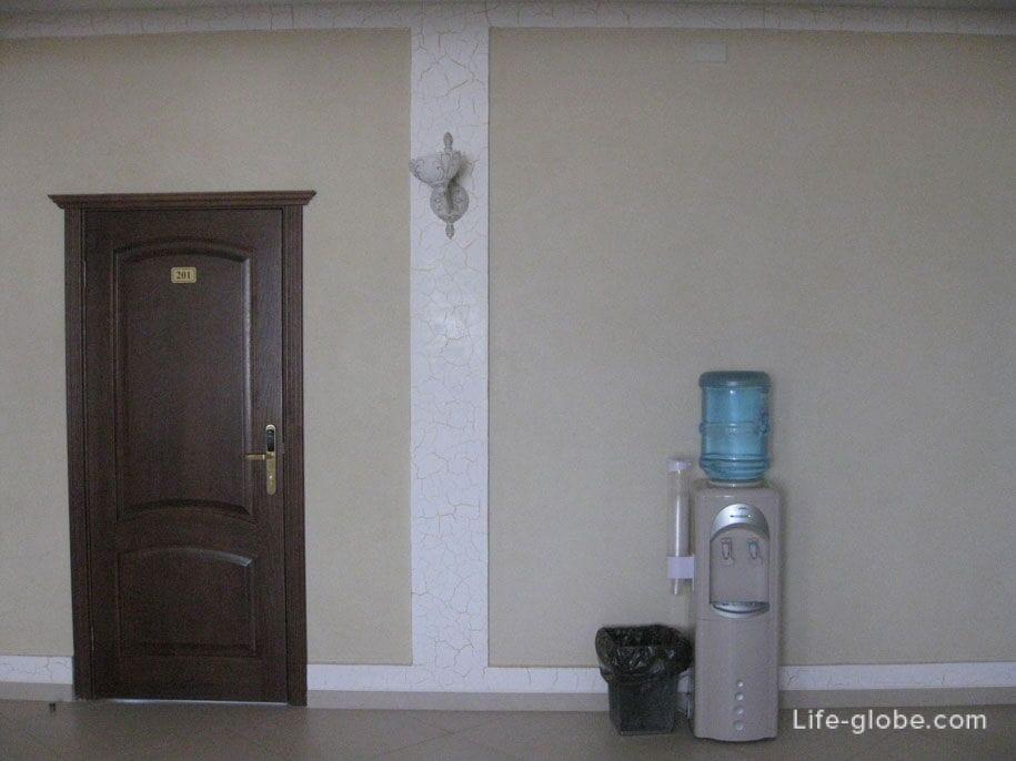 Кулер на этажах, Премьер отель, Смоленск