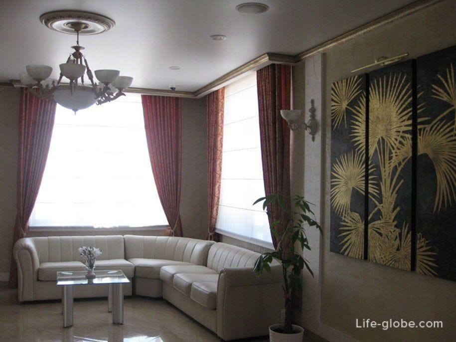 Холл второго этажа, Премьер отель в Смоленске