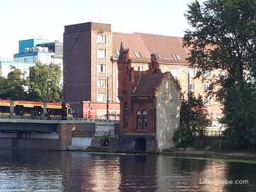 Дом смотрителя Высокого моста в Калининграде (дом барона Мюнхгаузена)