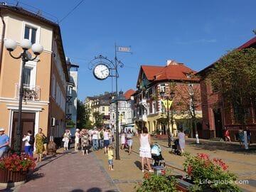 Курортный проспект - центральная пешеходная улица  Зеленоградска