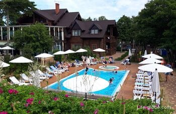 Mayakovsky hotel on the Curonian Spit (Lesnoy village, Baltic Sea) - access to the beach and the sea