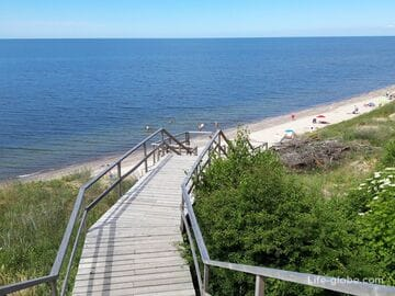 Выход со смотровыми площадками к Балтийскому морю, между Лесным и Королевским бором Куршской косы