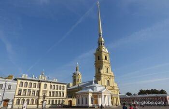 Соборная площадь Петропавловской крепости, Санкт-Петербург - главная площадь крепости
