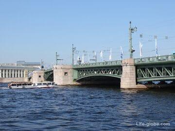 Дворцовый мост в Санкт-Петербурге - символ города: развод, описание, фото, история