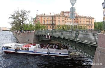 1st Engineering bridge in Saint Petersburg - bridge with Chizhik-Pyzhik