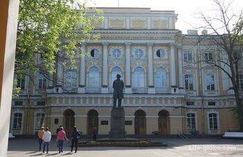 Дворец Разумовского в Санкт-Петербурге (государственный педагогический университет им. Герцена)