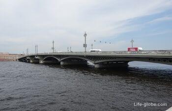 Благовещенский мост в Санкт-Петербурге: развод, описание, фото, история