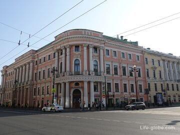 Дом-дворец Елисеевых (Чичерина) в Петербурге: музей Елисеевых и отель
