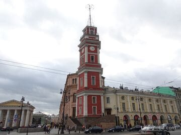 Здание Городской думы с башней и Серебряные ряды, Санкт-Петербург