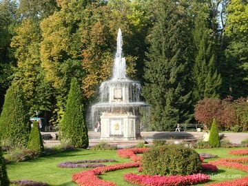 Римские фонтаны в Петергофе (Санкт-Петербург)